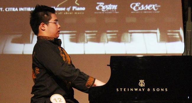 Jonathan Kuo Pianist: A homeschooled wunderkind